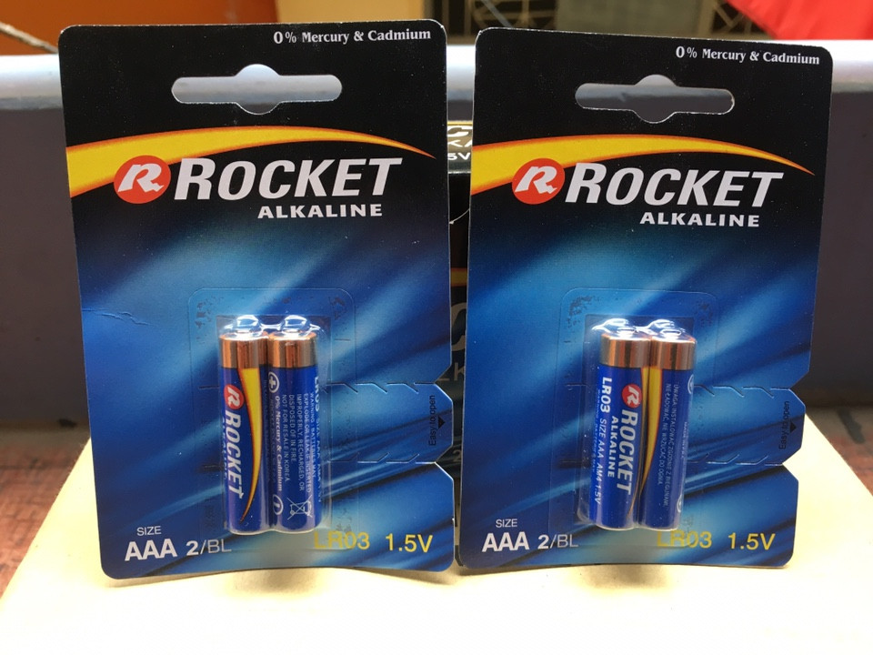 pin Rocket AAA alkaline