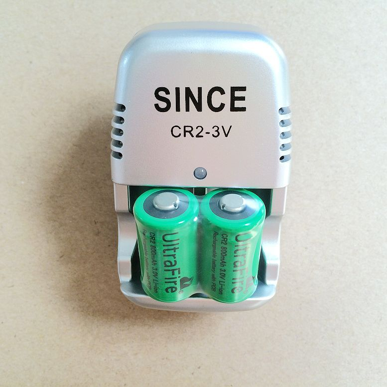 cr2 sạc pin 3v